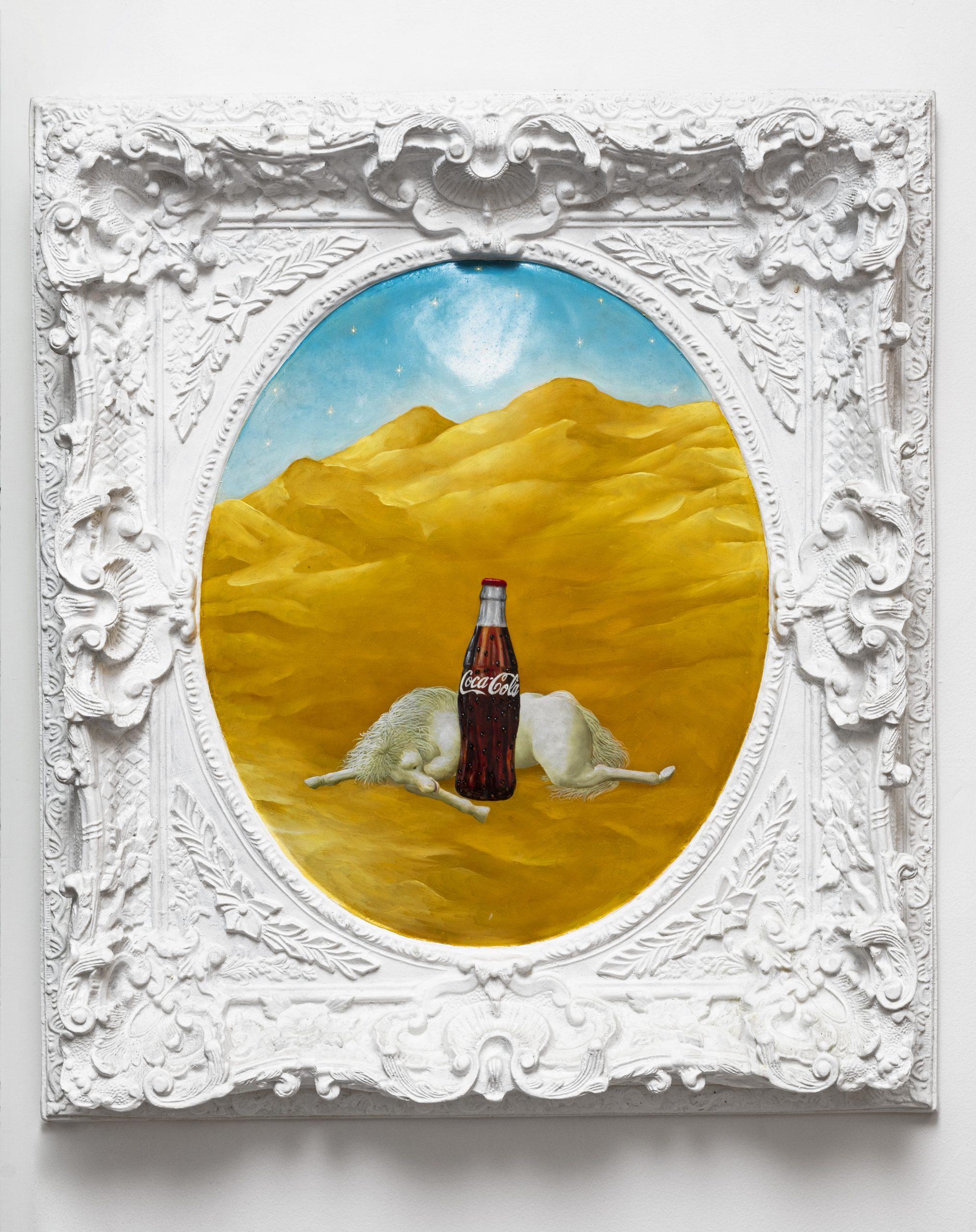 Ramos, Jose Carlos - Caballo y Coca cola en marco de resina blanco